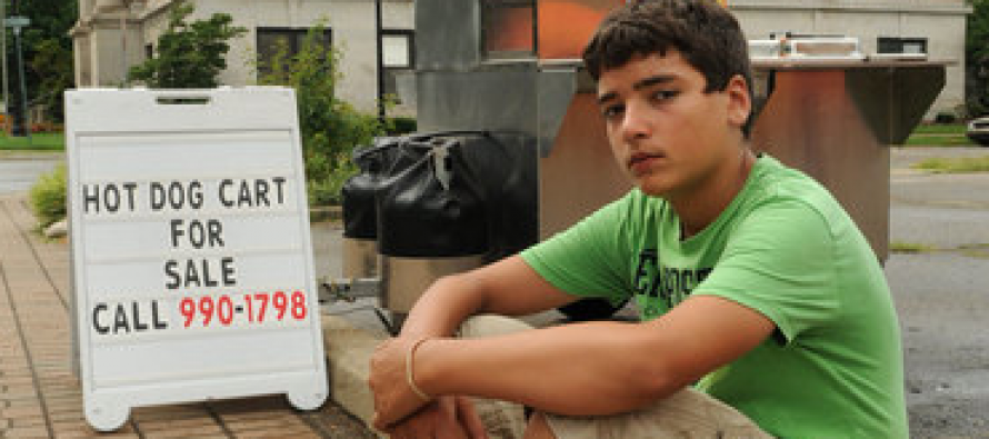 TRAGIC! Teen Who Started Hot Dog Stand To Help Family Is Now Homeless