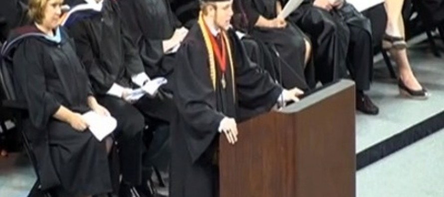 Valedictorian Defies School District's Order And Delivers the Lord's Prayer At Graduation