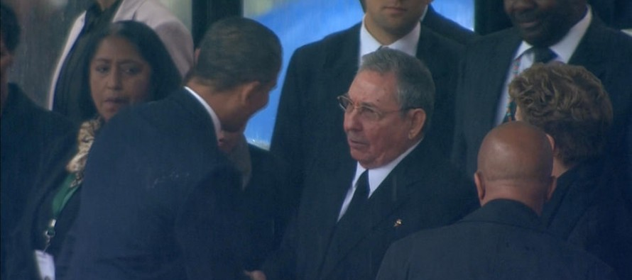 Obama Shakes Hands With Brutal Cuban Dictator Raul Castro in South Africa (Video)