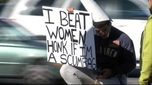 ABC_WFTS_man_with_i_beat_women_sign_jt_131221_16x9_992