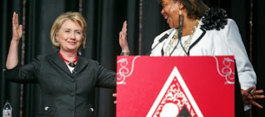 Eye on 2016, Clintons Rebuild Bond With Blacks: It's in the bag, Hillary