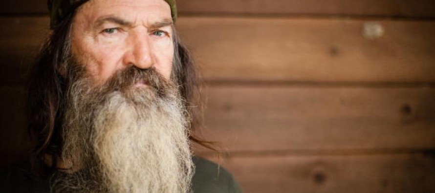 TV Anchor Facially Profiles Phil Robertson, Faces Backlash, Station Apologizes (Video)