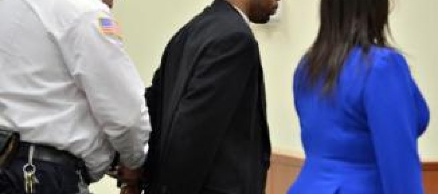 Dem. state lawmaker convicted of beating woman continues to serve from prison