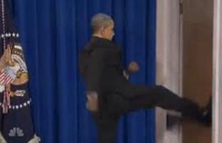 obama-kicks-door2
