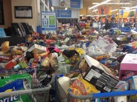 shoppers-stampede-walmart-after-glitch-temporarily-lifts-food-stamp-spending-limits