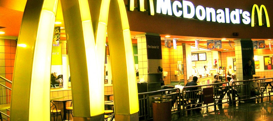Man sues McDonald's for giving only one napkin with meal