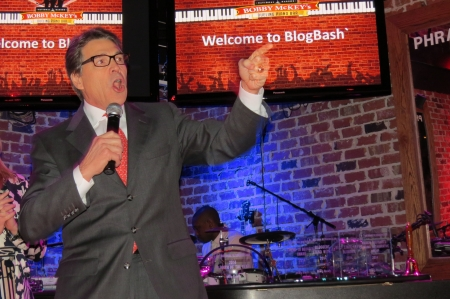 Rick Perry speaks at Blog Bash.