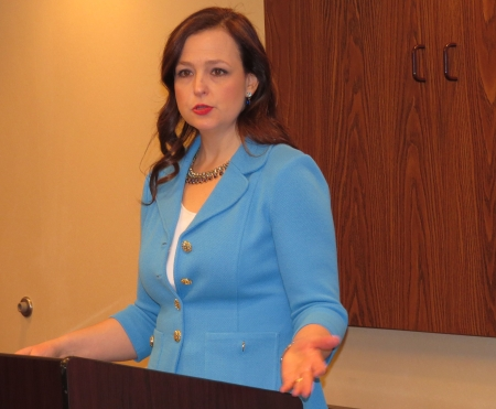 Jenny Beth Martin speaks at a National Bloggers Club lunch.