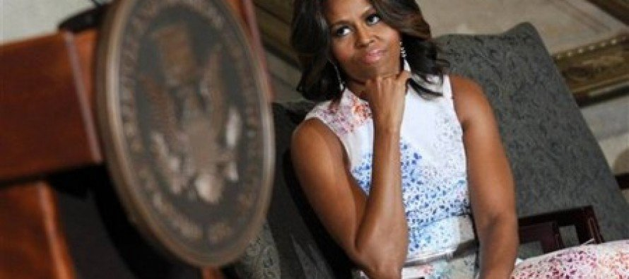 Michelle Obama Plugs Amnesty at a Swearing-In Ceremony for Legal Immigrants