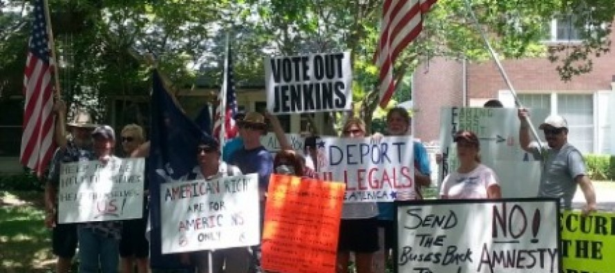 Legal Immigrants Protest Judge Who Asked DHS To Send 2,000 Illegal Aliens to Dallas for Shelter