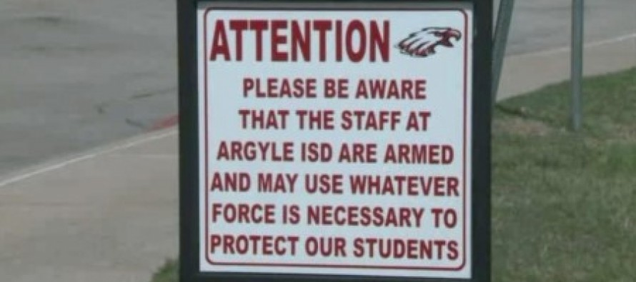 Texas school district arms teachers, posts signs warning visitors