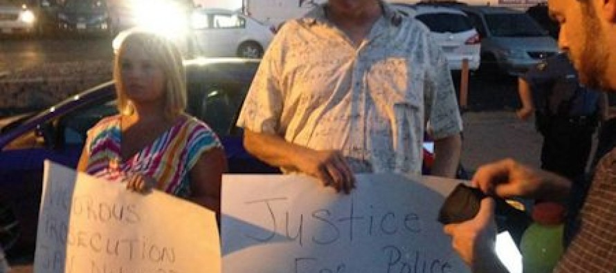 Mob in Ferguson Throws Bottles, Attacks Darren Wilson Supporters (With Video)