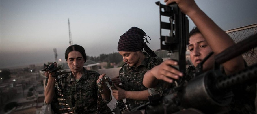 Powerful Photos of Kurdish Women Fighting ISIS in Syria