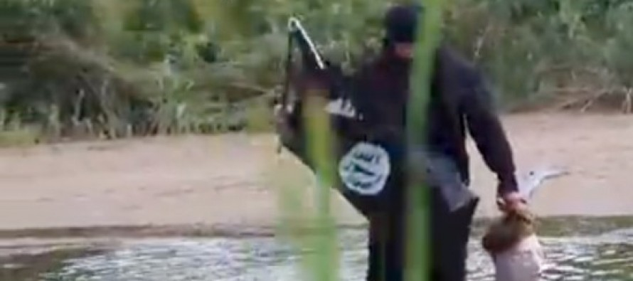 VIDEO: Reporter Crosses Border Into Texas Waving ISIS Flag And Openly Carrying Severed Head