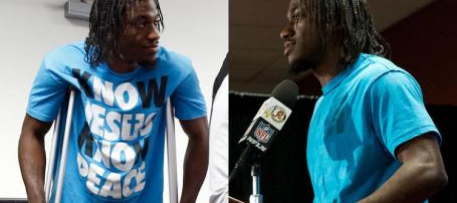 RGIII Goes to NFL Event With 'Know Jesus' T-Shirt on the Right Way, Leaves With it Inside Out