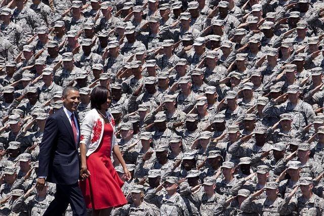 obama-michelle-military