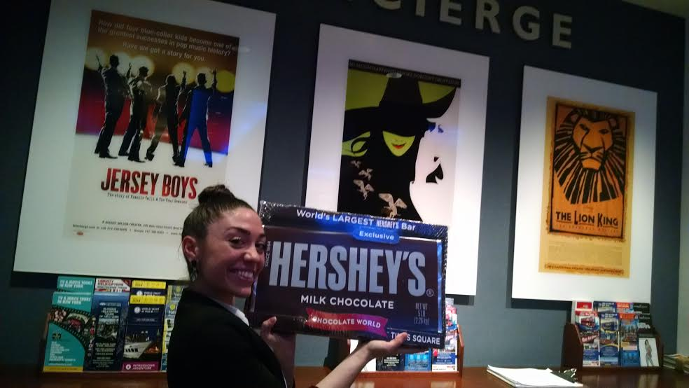 Actress Abigail Raye holds World's Largest chocolate bar!