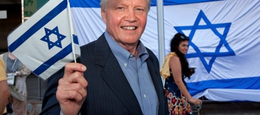 Jon Voight Fiercely Shows That Not All of Hollywood is OK With Obama's Executive Privilege