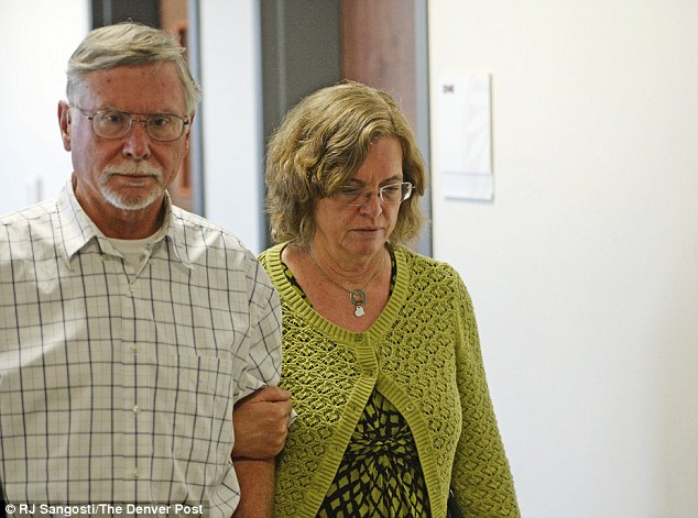 242C8E4900000578-2880628-Plea_Robert_and_Arlene_Holmes_whose_son_James_is_accused_of_kill-a-32_1419025334434