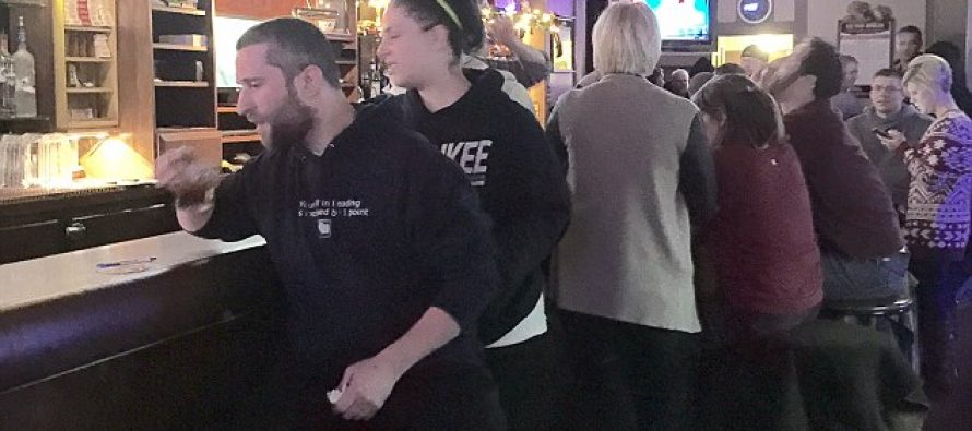 "VIDEO: Watch Saved By The Bell Actor ""Screech"" Pull A Knife On A Bar Patron Who Took His Picture"