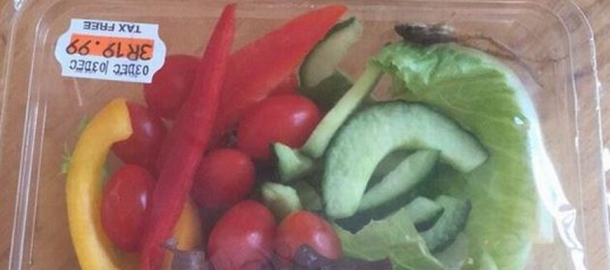 Live Frog Found in a Woolworths Salad