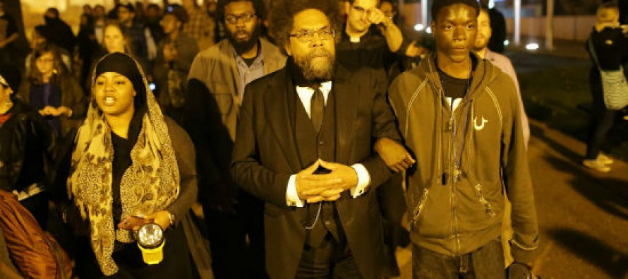 Ferguson protester described by media as 'peaceful' just set a convenience store on fire