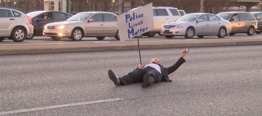 One Man Decided to Mock the Absurdity of the #Ferguson Protesters – You Have to See This!