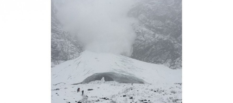 VIDEO: Watch as This Couple Narrowly Escapes a Massive Avalanche