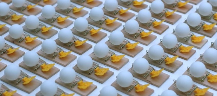 [VIDEO] Ultimate Chain Reaction Created with 2,014 Mousetraps and 2,015 Ping-Pong Balls !