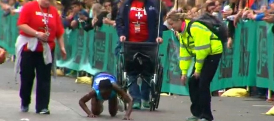 [VIDEO] Amazing Moment When a Woman CRAWLS Across A Marathon Finish Line