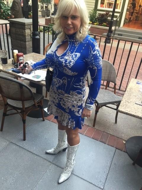 Former Dallas Cowboy Cheerleader