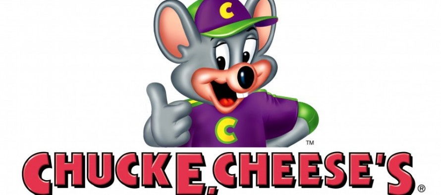 [VIDEO] Huge Brawl at Chuck E. Cheese over Photo Booth