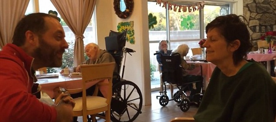 This Musician is Still Making His Alzheimer's Suffering Mother Smile