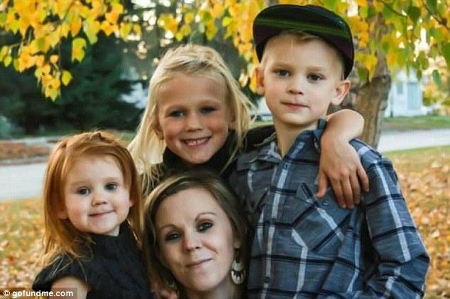 LaTasha Gosling with her three children.
