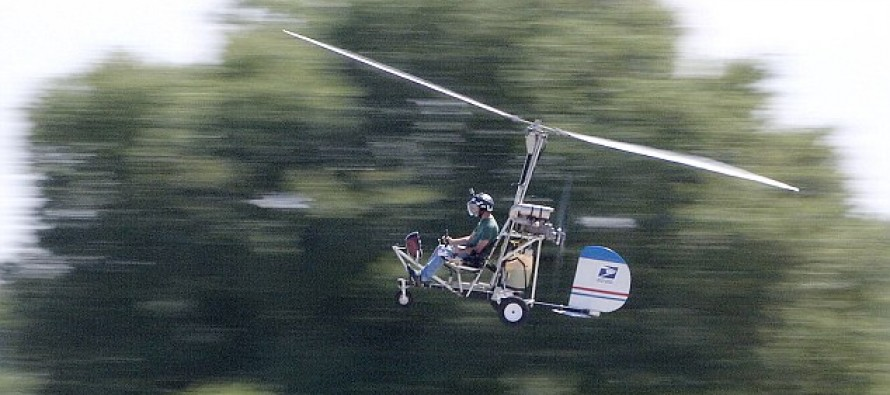 Washington D.C. panic as small helicopter lands on Capitol lawn