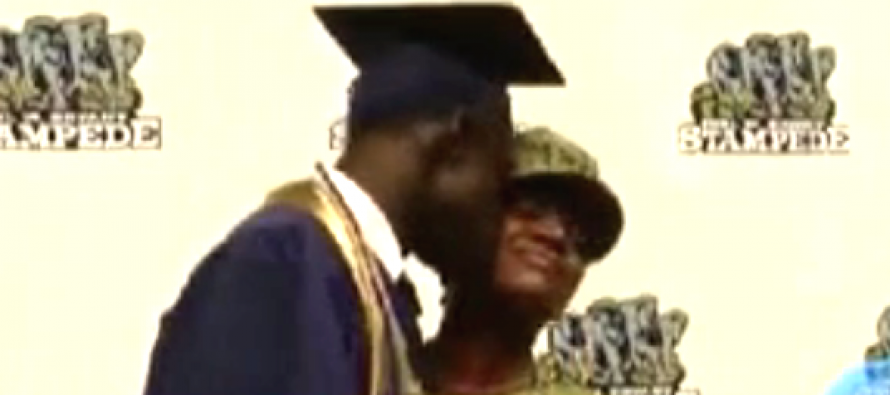 [VIDEO] A Young Man About to Receive His Diploma Gets Floored When He Sees Who is Presenting