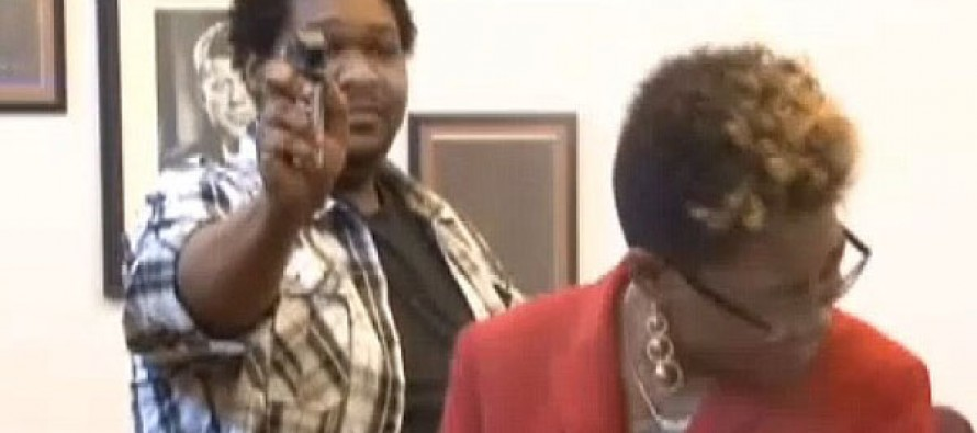 VIDEO: The moment judge let a pepper-spray attack victim fire back on his assailant in court…