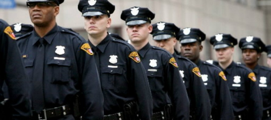 Police Officers Threaten to Turn Their Backs on Obama at the D.C. Memorial Service