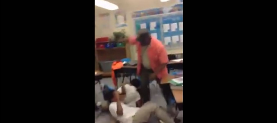 VIDEO: Teacher takes off belt in classroom after students start fighting