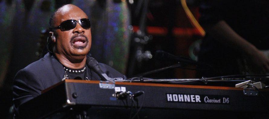 Obamas Host Secret Star-Studded 'Private' Party-Concert of 500 – Al Sharpton Spills Beans