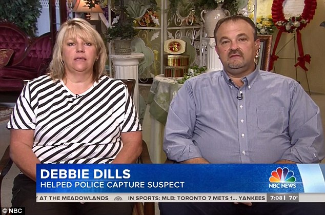 29C6614D00000578-3130827-Heroes_Debbie_Dills_left_on_the_Today_show_saw_the_suspect_s_car-m-8_1434712947407