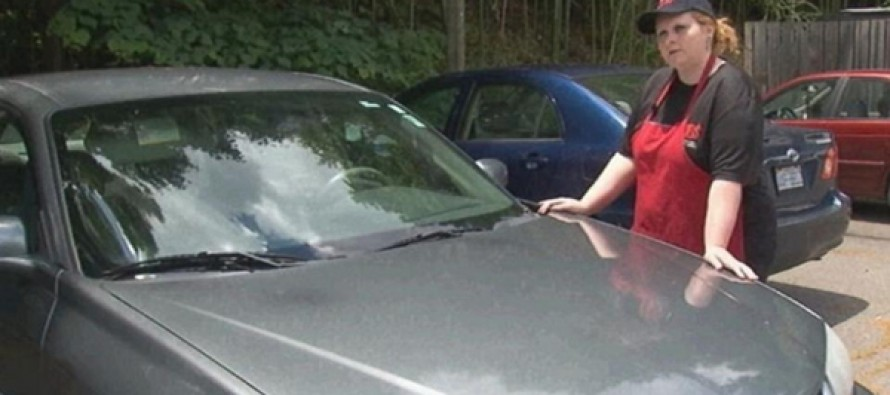 Stranger Buys a Car for a Single Mom in Act of Kindness