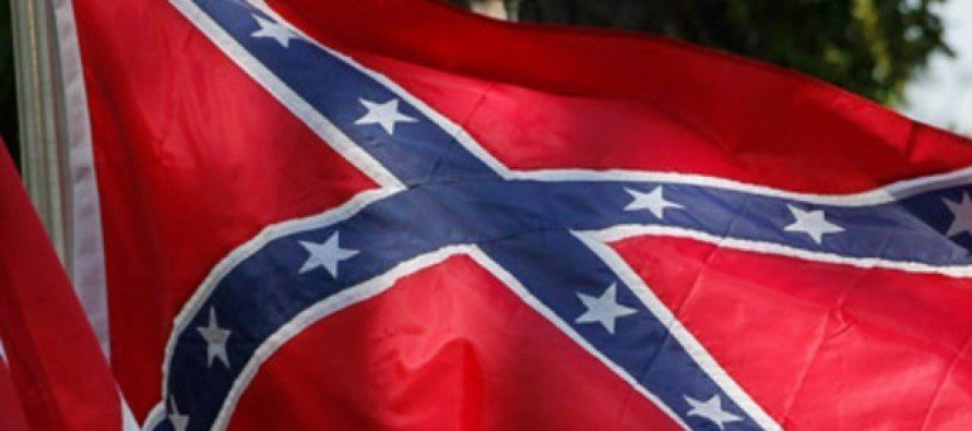 California Flag Store Still Selling Confederate Flag-and Selling Out