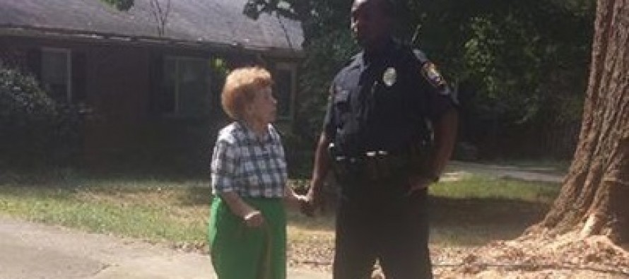 Picture of Atlanta Police Officer Comforting an Elderly Woman Is Going Viral