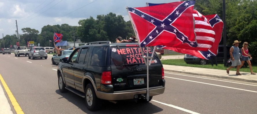 Thousands Attend Rally to Support Confederate Flag in Ocala