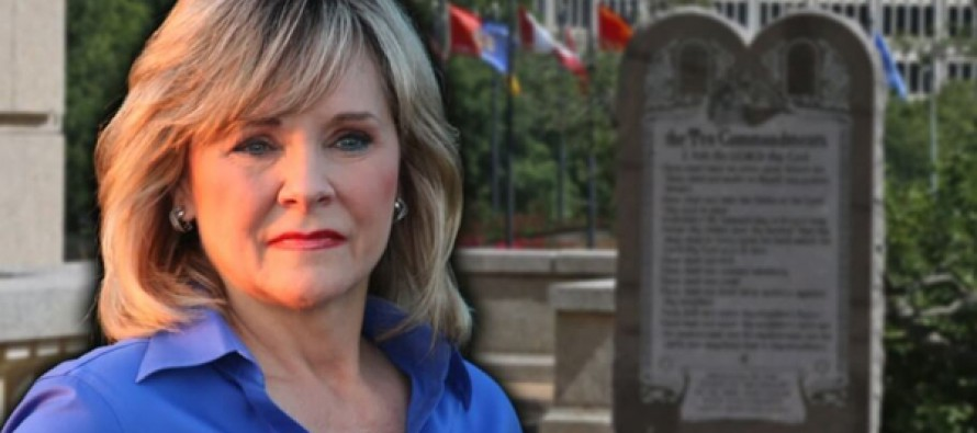 Here's What This Gov. Just Said About Court Order To Remove Ten Commandments