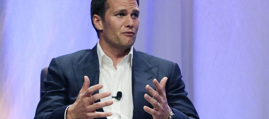 Tom Brady follows Hillary Clinton playbook by destroying his cell phone in Deflate-gate scandal