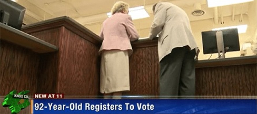 A 92 yr-old woman registered to vote for the first time so she could vote for Trump [Video]