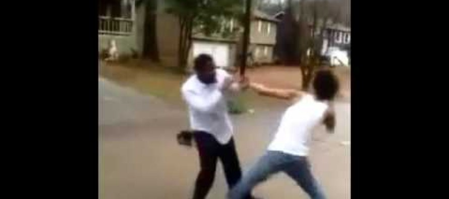Video: Bully who thought he had an easy target gets rocked