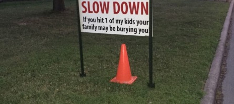 Family Posts Unforgettable Warning to Speeding Drivers After Burying Their Dog: 'If You Hit 1 of My Kids…'